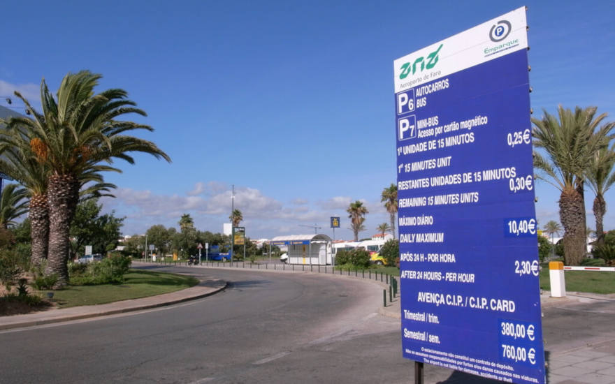 Parking at Faro Airport